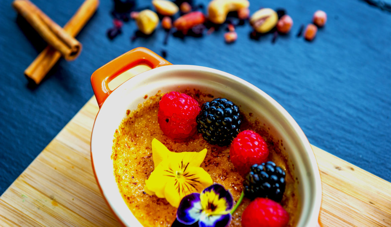 Creme Brulee cu sofran si inghetata de vanilie
