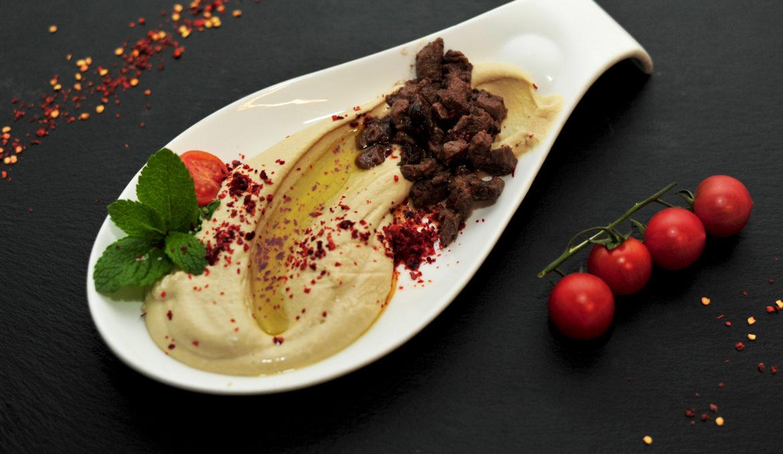 Hummus cu carne